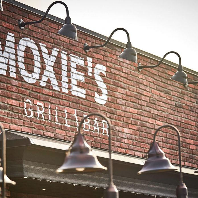 tru community amenities - moxies restaurant